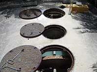 浄化槽保守(浄化槽の状況を確認)